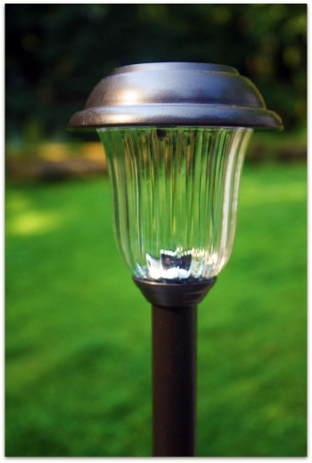 outdoor-solar-lights