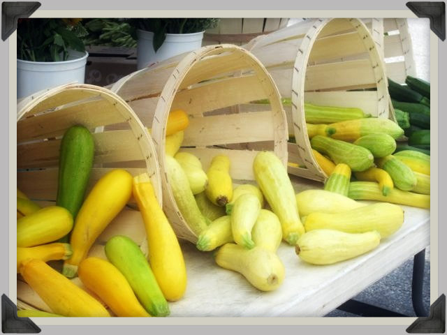 farmers market squash and zucchini