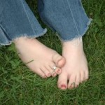 745989_toes