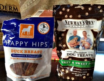 dogswell-newmans own dog treats