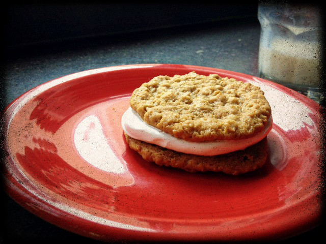 oatmeal creme pie recipe Recipe: Homemade Oatmeal Creme Pies